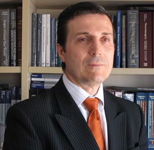 Mr. Vicente Vanaclocha, MD, PhD, neurosurgeon especialized in neuro-oncology, minimally invasive and bloodless surgery